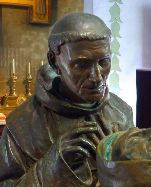 1924 statute of Father Crespi by artist Jo Mora.